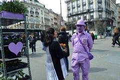 Fleuriste ultra-violet chez Place de la Bourse à Bruxelles images libres de droits