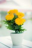 Fleurs artificielles Images stock