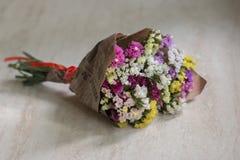 Fleurs au cadeau Photos libres de droits