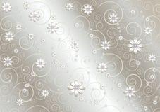 Fleurs blanches et lignes tordues sur le fond de gris de satin Photos libres de droits
