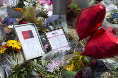 Fleurs dans les souvenirs à une attaque terroriste à Londres Photo libre de droits