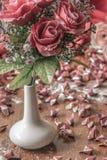 Fleurs dans un vase Photo stock
