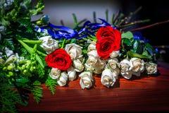 Fleurs de cercueil image stock