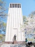 Fleurs de cerisier de Washington près Taft mémorial en avril 2010 Images libres de droits