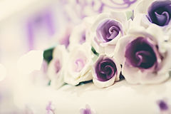 Fleurs de gâteau de mariage Photo libre de droits