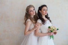 Fleurs de jeune mariée et de mariage épousant l'amie de bouquet Photo libre de droits
