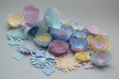 Fleurs de papier de colorfull fabriqué à la main Image libre de droits