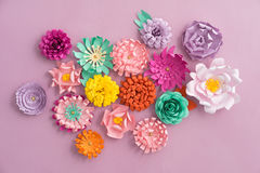 Fleurs de papier faites main photographie stock libre de droits
