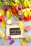 Fleurs de ressort et tableau de vintage Photo libre de droits