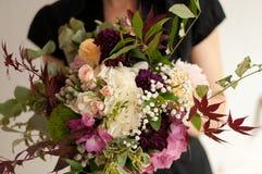 Fleurs de robe de mariage Photo libre de droits