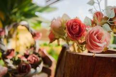 Fleurs en plastique avec le filtre de vintage Photo libre de droits