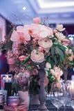 Fleurs et décor de luxe de mariage Image libre de droits