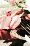 Fleurs et notes musicales, symboles Photographie stock libre de droits