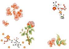 Fleurs fabuleuses avec les baies rouges lumineuses Japonais et style chinois Photographie stock