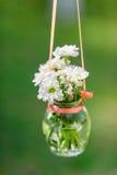 Fleurs gentilles dans la bouteille Photos libres de droits