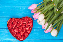 Fleurs, jour de valentines et concept de vacances Images libres de droits