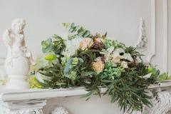 Fleurs pour la cérémonie de mariage Photos stock