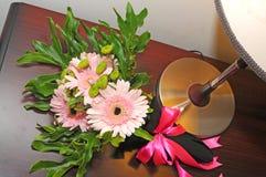 Fleurs pour la jeune mariée Images libres de droits