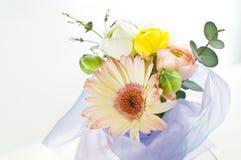Fleurs pour la table Image libre de droits