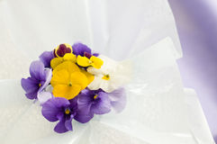 Fleurs pour la table Photo stock