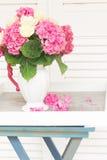 Fleurs roses de hortensia Images stock