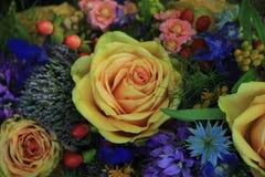 Fleurs roses et bleues de mariage Photographie stock libre de droits