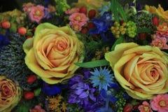 Fleurs roses et bleues de mariage Photographie stock