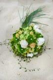 Fleurs sur la plage Image stock