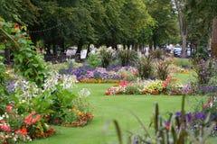 Fleurs sur le remblai Bedford, R-U. Images libres de droits