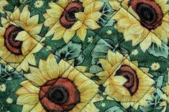 Fleurs sur le tissu Images libres de droits