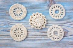 Fleurs tricotées par crochet blanc d'Irlandais Photos stock