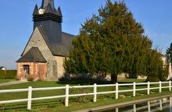 Fleury la Foret Frankrike - marsch 15 2016: kyrkan Fotografering för Bildbyråer