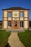 Fleury la Foret Frankrike - marsch 15 2016: stadshus Royaltyfria Bilder