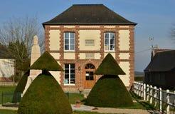 Fleury la Foret Frankrike - marsch 15 2016: stadshus Arkivbilder