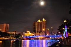 Fleuve d'amour avec la pleine lune Photo stock