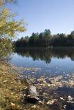 Fleuve d'Androscoggin dans l'automne Images stock