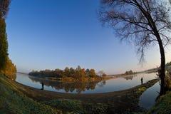 Fleuve d'automne Photographie stock libre de droits
