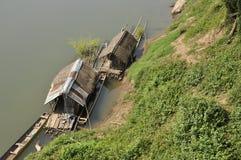 Fleuve de bambou de hutte de radeau Photos libres de droits