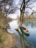fleuve de bateaux en bois Photographie stock