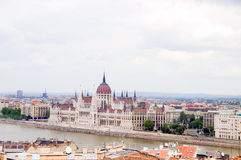 Fleuve de Danube de paysage urbain du Parlement Budapest photographie stock