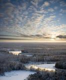 Fleuve de l'hiver de la soirée de congélation Photographie stock