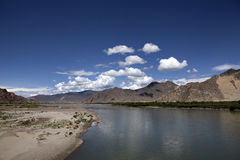 Fleuve de Lhasa Photos libres de droits