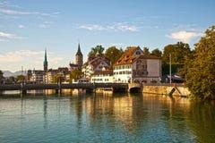 Fleuve de Limmat, Zurich Photographie stock libre de droits