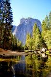 Fleuve de Merced chez Yosemite Image libre de droits