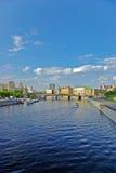 Fleuve de Moskva à Moscou, Russie - verticale Images libres de droits