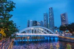 Fleuve de Singapour la nuit Images libres de droits