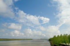 fleuve droit de côté Photo stock
