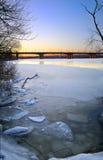 Fleuve en hiver Photo libre de droits