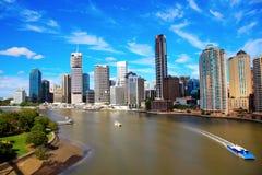 Fleuve et ville de Brisbane Images libres de droits