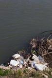 Fleuve pollué Images libres de droits